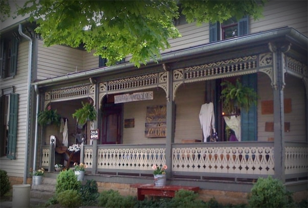 Neena's Farm House Antiques